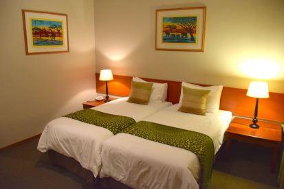 Mantenga Lodge Room Bed