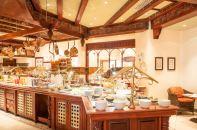Serena Polana Restaurant Buffet