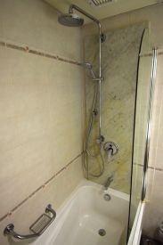 Corinthia Palace Hotel & Spa Bathroom Tub
