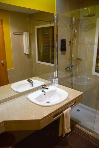 Pestana Tropico Room Bath
