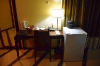 RLJ Kendeja Resort Room Desk