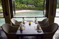 Seabreeze Restaurant Seating