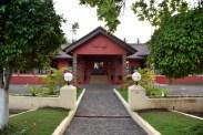 omali-lodge-entrance