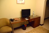 omali-lodge-room-tv