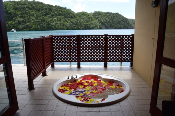 palau-royal-resort-mandara-spa-hot-tub