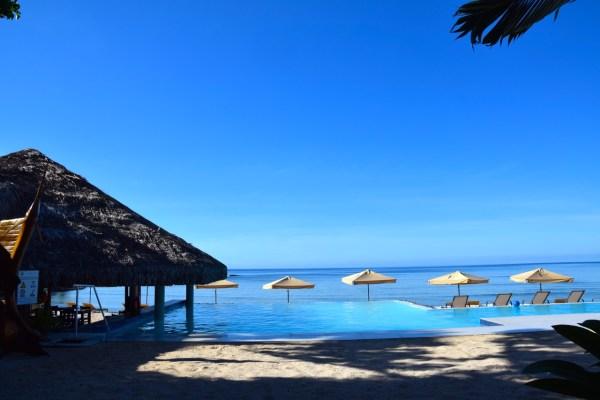 breakas-pool-view