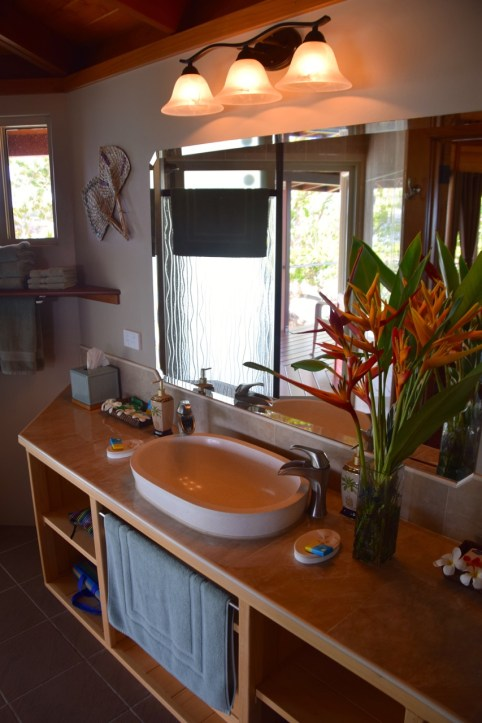 sunrise-beach-cabanas-bathroom
