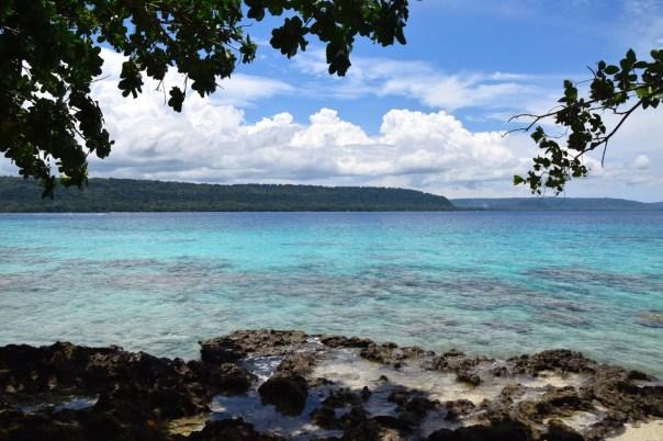 vanuatu-santo-tour-champagne-secret-beach-view