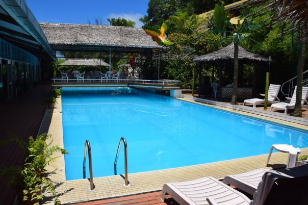 hotel-honiara-pool