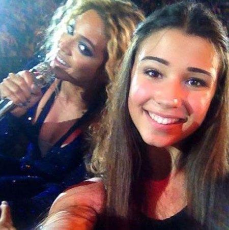 Beyonce-Selfie