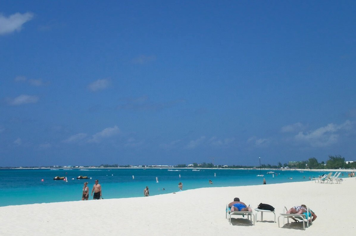 Seven Mile Beach, Cayman Islands - by dwehrs:Flickr