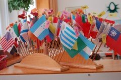 Montessori-world-flags