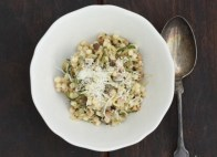 easy pasta with zucchini and pine nuts recipe | writes4food.com