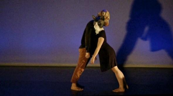 Fabio Filipe and Maria Cassar in Red Tape Dance Company's Pensar é Destruir