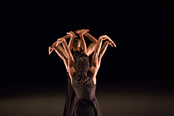 Akram Khan Company in the revival of Kaash (photo: Jean-Louis Fernandez)