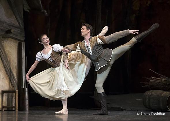 Natalia Osipova and Matthew Golding in Giselle (photo Emma Kauldhar)