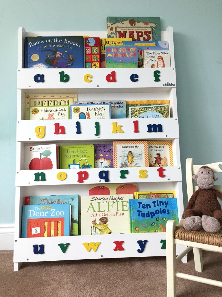 Bookcase, normal with monkey