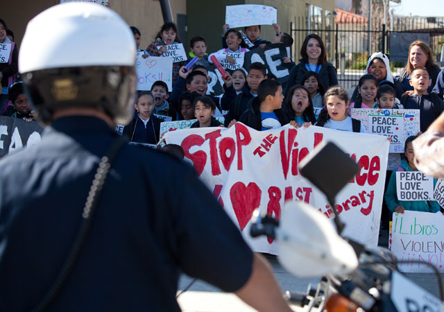 PhotoWeek130222libraryprote