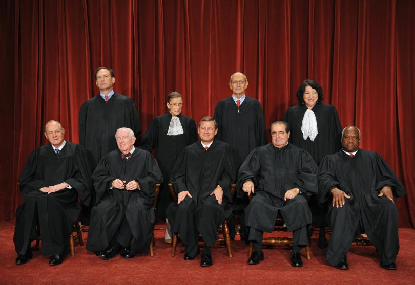 US Chief Justice John Roberts (C, front