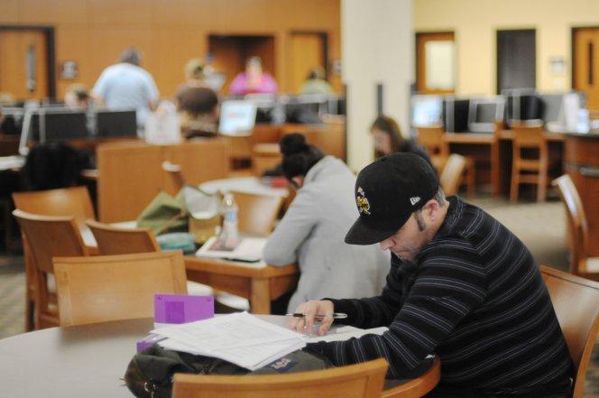 Richard Raasueld studies at Copper Mountain College in Joshua Tree.  (Carlos Puma/California Watch)