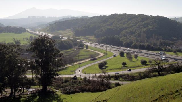 Highway 101 by Marinwood. (Greenbelt Alliance/Flickr)