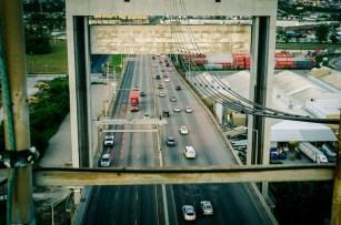 800px-Traffic_on_Danzinger_Bridge