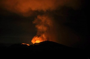 Morgan Fire, burning east of Mount Diablo, as seen from Lafayette late Sunday night. At least 3,700 acres have burned southeast of the town of Clayton. (Susan Welty)