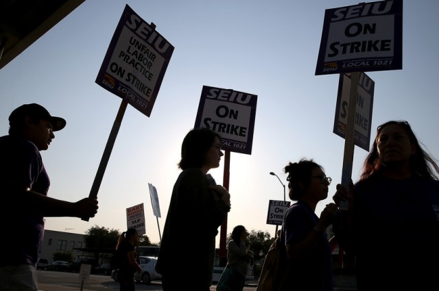 Pickets during July's BART four-day BART strike. (Justin Sullivan/Getty Images)