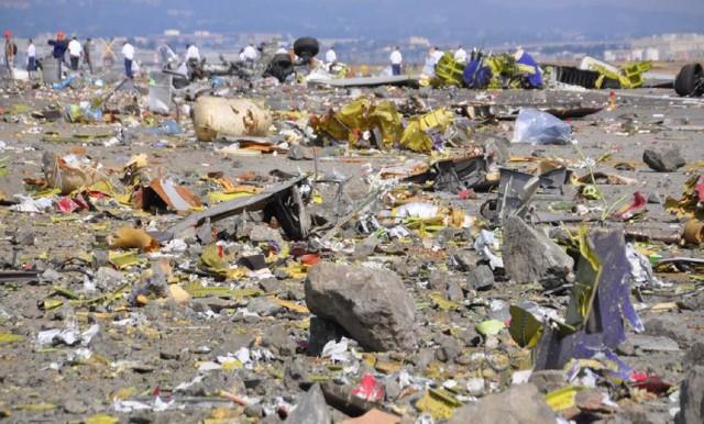 Wreckage of Asiana Flight 214 at San Francisco International Airport after crash on July 6, 2013. (NTSB)