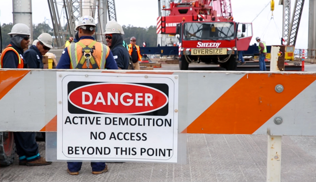 A final barricade on the edge of the eastern half of the old Bay Bridge. (Adam Grossberg/KQED)