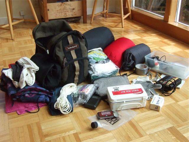 "Prepare your earthquake kit now, so you will have it ready when it's needed. (<a href=""https://www.flickr.com/photos/earthworm/5548393406/in/photolist-9shY4h-jihtFt-5kXzYL-5Wyh9b-bUqEtX-5kTiPD-9qTeg8-7vJFqB-7BBZa1-58Sd9V-9uoGMB-9pTWMd-9pTHj3-QwLi-nc7WCJ-nc8tCi-kWuK3f-neat5c-nebnaH-nc8dM7-neaToH-nc7Tzi-neaEHa-necDYw-necEWU-7vJcEc-7wywPB-n9fva4-7xKbSr-dqZiLS-7FcDNt-7Fgxg9-9q28ag-6yqdYU-6ym5q4-6ym7Dn-bqFHea-nvyqGe-brCi22-8gZPeG-7xbRwi-8gn3gi-e5Xk5P-7zVtS2-nc7T4t-nc842Q-9pPrsX-9pWSAh-4QGAB7-9pPvoM"">Earthworm/Flickr</a>)"