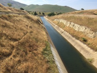 The Friant-Kern Canal, which carries water to the southeast side of the San Joaquin Valley. April 2015.