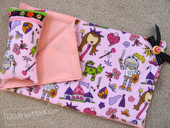 "18"" doll sleeping bag using Laura Kelly fabric and buttons"