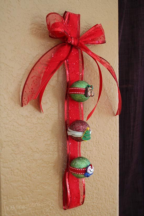 Christmas wall hanging side view
