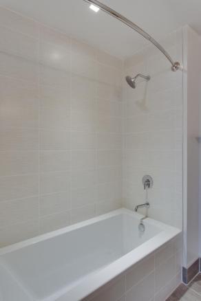 1001 Monroe St NW 4 Washington-large-037-6-Bathroom-667x1000-72dpi