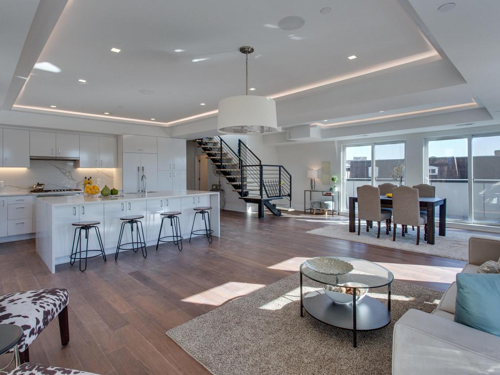1001 Monroe St NW 5 Washington-MLS_Size-009-43-Living Room-2048x1536-72dpi