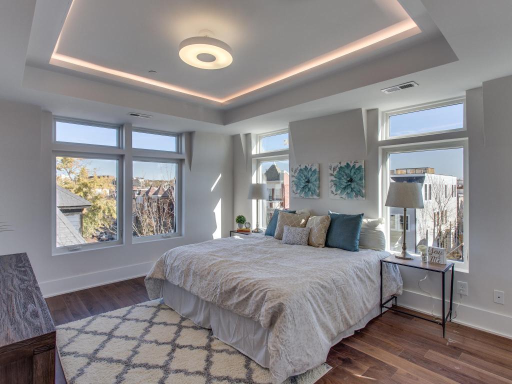 1001 Monroe St NW 5 Washington-MLS_Size-023-23-Master Bedroom-2048x1536-72dpi