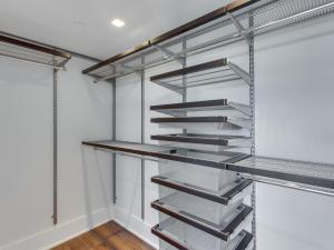 1001 Monroe St NW 5 Washington-MLS_Size-025-18-Walkin Closet-2048x1536-72dpi