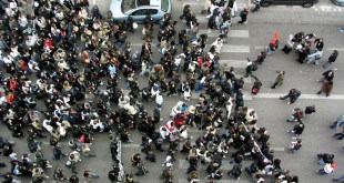 Manipulations autour des chiffres : À propos du nombre de manifestants lors des journées de mobilisation.
