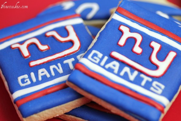 NY Giants cookies Eli Manning superbowl football bet patriots tom brady royal frosting decorated