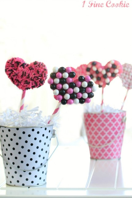 Pretzel Hearts by 1 Fine Cookie candy, valentine's day, recipes, desserts, pink, black, white, sprinkles, craft, diy, food, love, hearts,