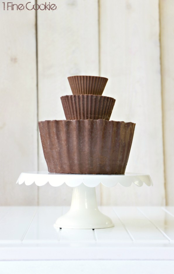 Giant Peanut Butter Cup Cake, giant, large, peanut, butter, cup, cake, reeses, reese's, hershey's, recipe, hack, william, sonoma, how to make, homemade, easy, silicone, mold, cupcake, chocolate, peanut, butter, filling, ganache, hacks, valentine's, mother's, day, milk, video, guide, peanut butter & company, pb and co, kitchenaid, blender, hand, mixer, stand, food processor, smooth operator, crunch time, cinnamon raisin swirl, cinnamon, raisin, swirl, white, dark, bee's, knees, mighty, paste, bean, rodelle, extract, contest, giveaway, sweepstakes, free, stuff, win, basket, food, giant peanut butter cup cake