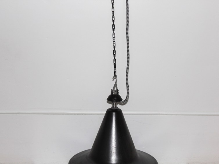 Suspension gamelle industrielle vintage