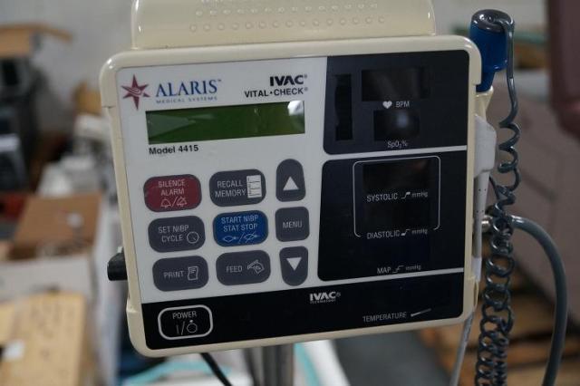 Alaris IVAC Vital Signs Monitor