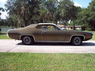 Sell used Mopar Muscle Magazine Featured 1971 Satellite Survivor in Lakeland, Florida, United States