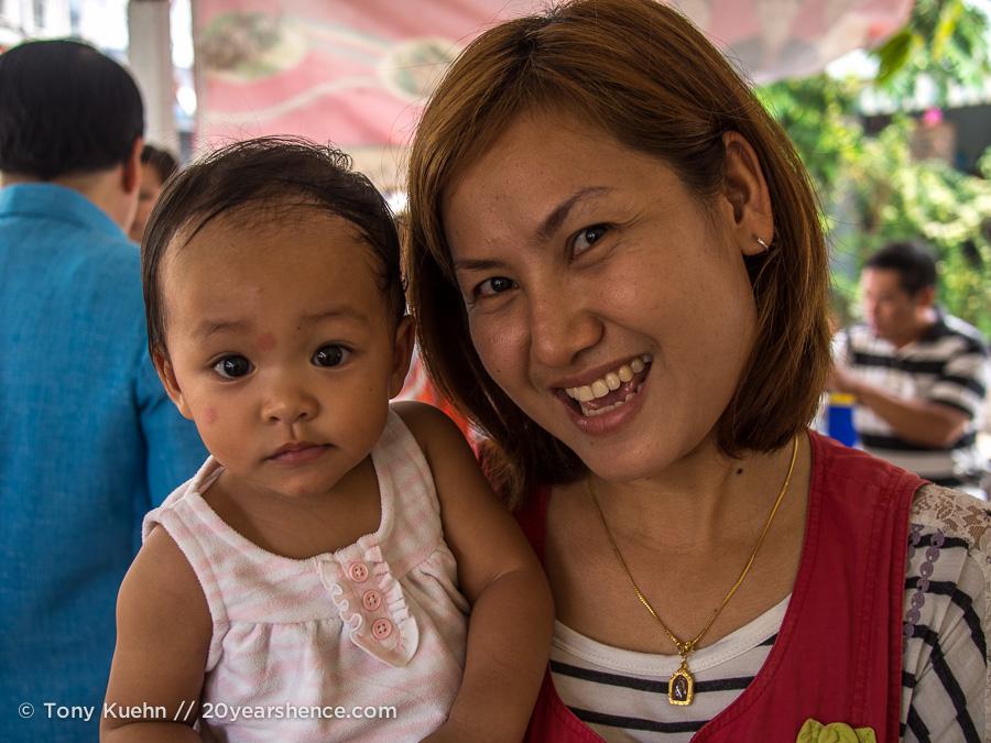 Happy vendors, Nong Khai, Thailand