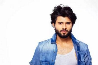 Vijay Deverakonda New Arjun Reddy Movie Latest Stylish ULTRA HD Photos Stills Images | 25CineFrames
