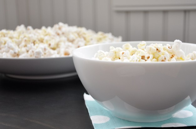 popcorn_with_extra_virgin_olive_oil_and_kosher_salt