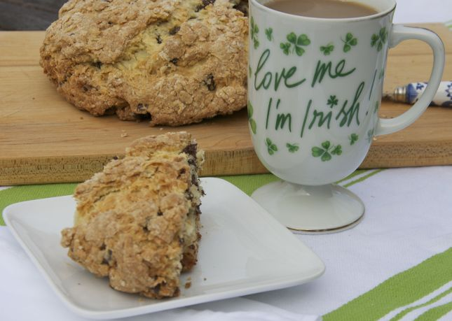st_patricks_day_chocolate_chip_soda_bread