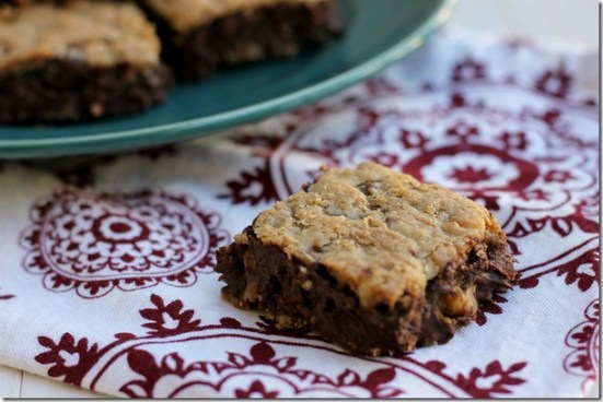 Chocolate Chip Blondies {from 2 Sisters 2 Cities}